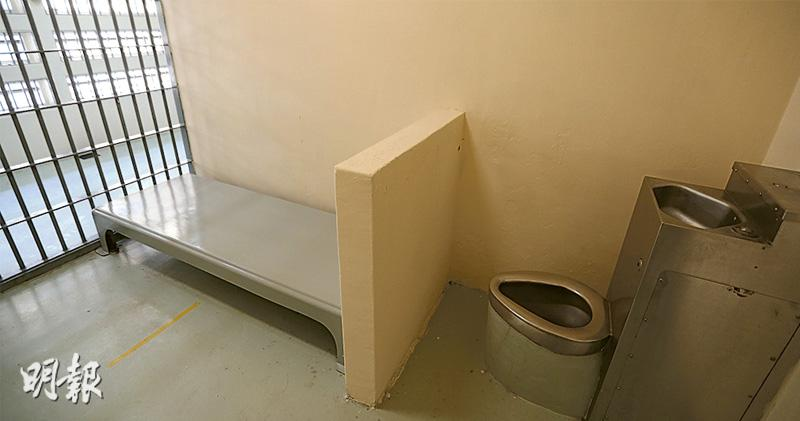 監房熱上熱 逾9萬人聯署促改善 石牆花倡准家屬送防中暑物資 懲教:按機制訂可批物品