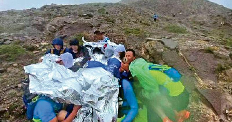 極端風雨突襲 甘肅馬拉松21死 頂尖跑手不敵失溫 內媒質疑主辦準備差