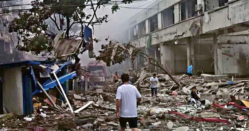 湖北氣爆12死 習令查「保黨慶氣氛」 37重傷逾百受傷 街市全層炸空坍塌
