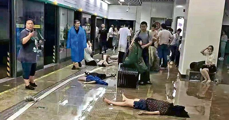 水淹地鐵12死 官方稱暴雨「5000年一遇」 周一起多次預警未促停工 河南至少25死124萬人受災