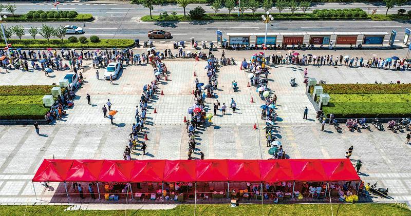南京疫擴10省市 揚州現打牌群組 國家衛健委稱仍有擴散風險