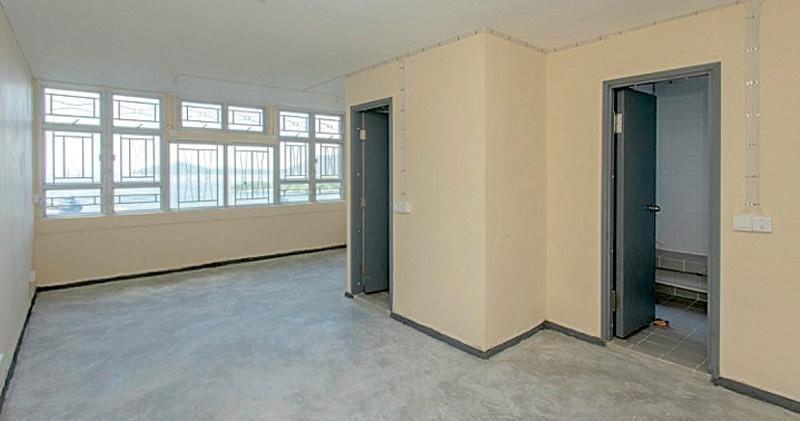 今期推售的815個租置回收單位遍佈全港39條租置屋邨,其中華貴邨華善樓1016室實用面積376平方呎,坐擁海景,售77.2萬元。(房委會圖片)